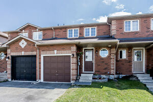 Exceptional Starter Townhome - 81 Courtney Crescent, Barrie