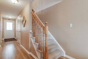 NEW LISTING! FREEHOLD TOWNHOME IN LAURENTIAN HILL/COUNTRY HILL Kitchener / Waterloo Kitchener Area image 8
