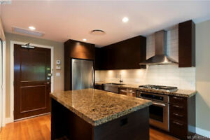 Beautifully furnished Bear Mountain condo - available immed.