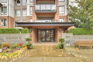 2br&2bth Condo in a walking distance to a sky train station