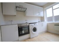 Superb 2 Double Bedroom on top Floor with Separate Modern Kitchen in Barnet