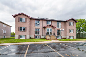 Desirable 2 Bedroom Condo on Northlake Drive!