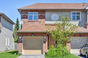 3 bed 2 bed end unit townhome BARRHAVEN!