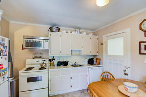 Starting out or Downsizing? Stratford Kitchener Area image 2