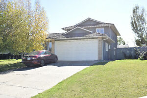 Great Family Home close to Finch School!