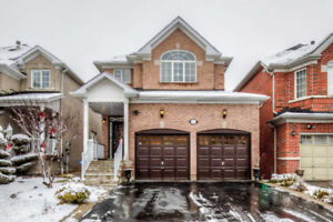 Fabulous Brampton Home With Spacious Master Bedroom