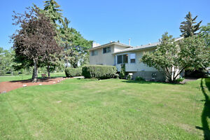 WHAT A FIND, IMMACULATE HOME IN BROADMOOR VILLAGE!!