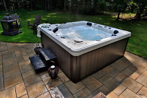 Loaded hot tub Priced to Clear!!!