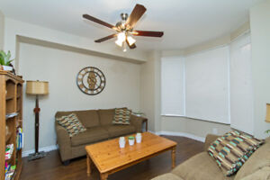 Charming 2 Bedroom Suite in Hamilton with Insuite Laundry