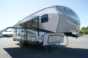 2016 Keystone RV Laredo 285SBH Fifth Wheel