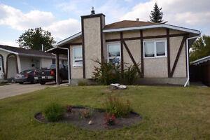 1200+ sqft 2-bedroom Suite in Cul-De-Sac, Fort Sk