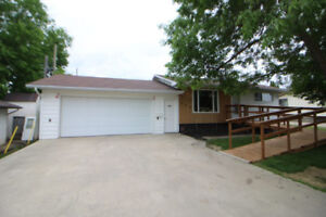 For Sale: 3 Bdrm Bungalow in Prime Location in Roblin, MB!