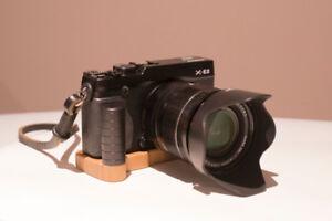 Fujifilm X-E2 with lens