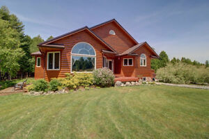 4500 sq ft Country Oasis Home on 42 Acres, 3 acre Lake! London Ontario image 1