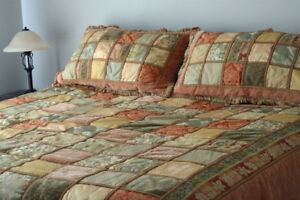 King size bedspread, 2 King shams and skirt