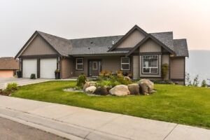 Executive home with panoramic view of Williams Lake