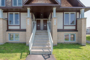 BRIGHT & SPACIOUS 2 BEDROMS HOME 4 OCT. AVALON ORLEANS$1,320.00