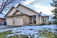 JUST LISTED -- INVESTMENT/MORTGAGE HELPER BUNGALOW DUPLEX.