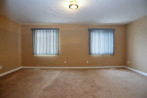 3 Bedroom 2.5 Bath townhouse close to Sunrise Mall - Must See Kitchener / Waterloo Kitchener Area image 6