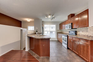 2 Master Bedrooms (Hamptons), AC & 2 car garage! Edmonton Edmonton Area image 5