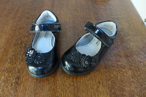 Stride Rite girls shoes - Size 5