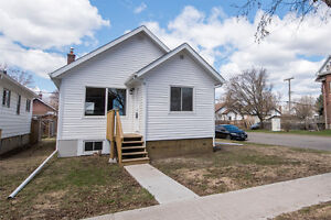 323 Syndicate Ave N - Make an Offer Today!
