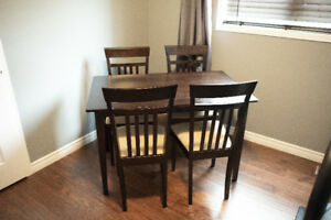 Dinette (or desk?)  - Ideal for a small kitchen (or bedroom?)