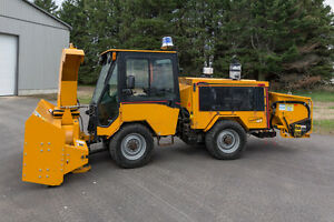 Used Trackless equipment Snowblowers,Sweepers,Plows and Mowers