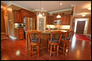 Stunning one of a kind home on an acre in Strathroy London Ontario image 3