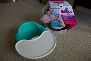 Bumbo with tray