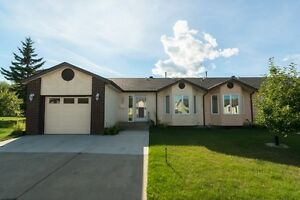 Sunrise Village Bungalow in Stony Plain