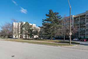 Affordable 3 Bedroom 2 Story Oakville Condo