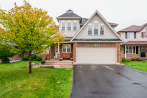 CHECK OUT THIS HOME! OPEN CONCEPT: 7 BEDROOM HOME & close to 401