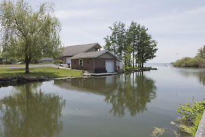 A stunning home with a breathtaking view of the Adirondacks! Cornwall Ontario image 5