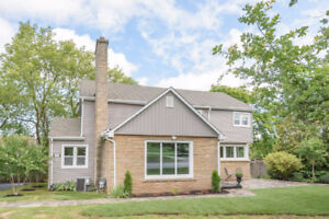 Large Family Home on Oversized Lot in Beamsville
