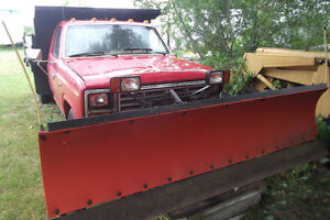 1983 Ford F-350 Dump with Plow