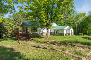 Home with Acreage in Huntsville, ON