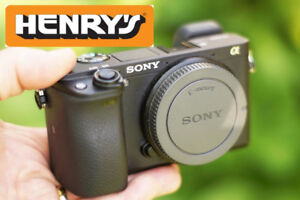 Sony a6300 Beautiful Mint 10/10 condition - with Henrys receipt