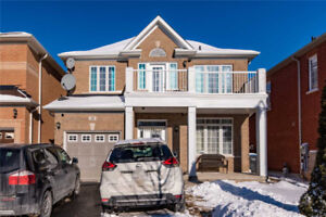 Cozy And Inviting 3+1 Bed 4 Bath All Brick Detached Home