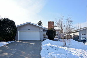 Beautiful Bungalow in Prime Location!