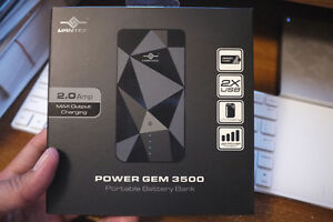 Brand New - Vantec Power Gem 3500mah Blue