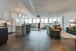 2000 sqf Penthouse + Indoor parking downtown Montreal !