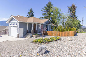 Salmon Arm - 2013 2,500sqft Home with 2 Bdrm In-Law Suite