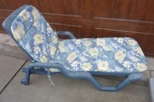 Patio lounge chair with cushion