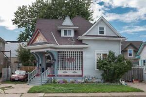 5047 CRYSLER Avenue Niagara Falls, Ontario