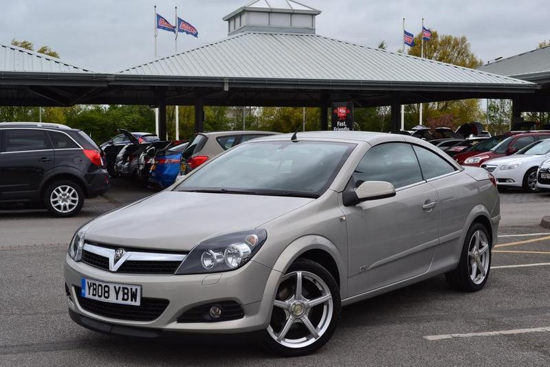 Vauxhall astra twintop 1 6 16v sport 2 door 115 gold for Door 2 door doncaster