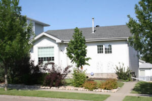 Cozy Sherwood Park House  with 2 Separate Suites for 2 Families