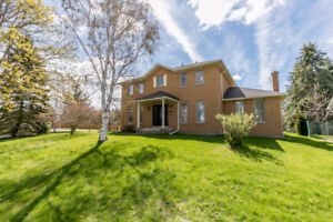 Must See! Exceptional Move In Ready Home W/ 3 Car Garage On 1/2