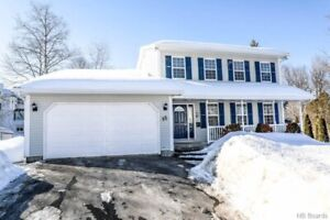 BEAUTIFUL 4 BED, 3.5 BATH -2 STOREY HOME IN DOWNTOWN FREDERICTON