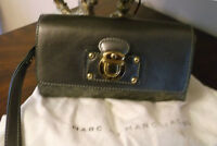 MARC JACOBS AUTENTIQUE LAITHER CLUTCH